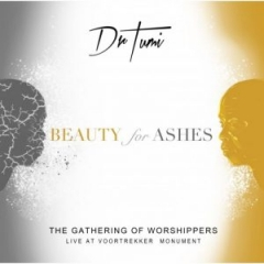 Dr. Tumi - I'm Loved By God (Feat. Motswedi & Bongiwe) (Live At The Voortrekker Monument)